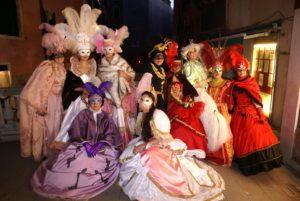 Photoshoot a Venezia in abiti di Carnevale