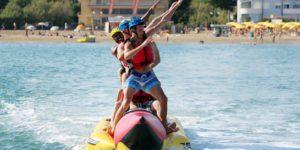 Divertimento in spiaggia a Jesolo: Banana Boat