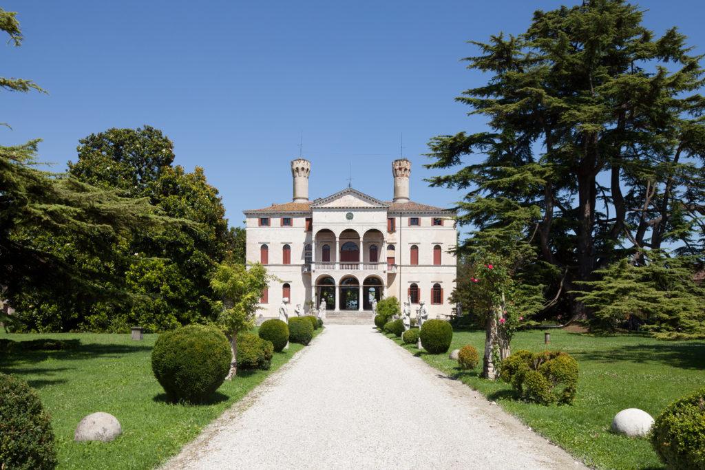 Castello di Roncade: visita e degustazione di vini!
