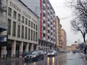Fermata in Corso del Popolo dell`autobus Atvo Aeroporto Marco Polo-Venezia Mestre