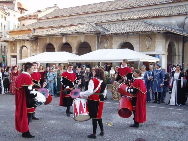 Asolo durante la celebrazione dell`arrivo della regina Caterina Cornaro