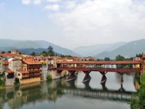 In Veneto da vedere sicuramente Bassano del Grappa e il suo Ponte Vecchio