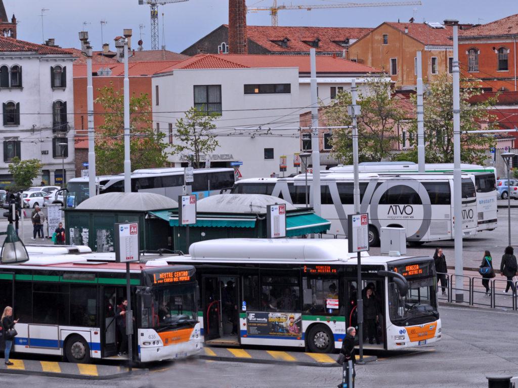Arrivare a Venezia con mezzi pubblici in Piazzale Roma