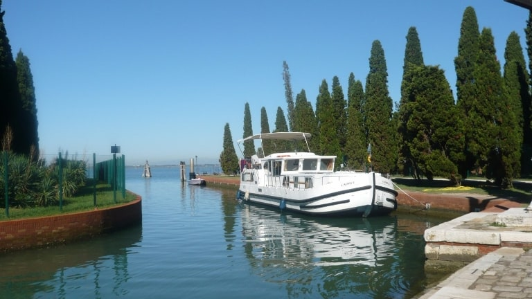 houseboat sile