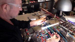 Lavorazione del vetro di Murano: la tecnica a lume