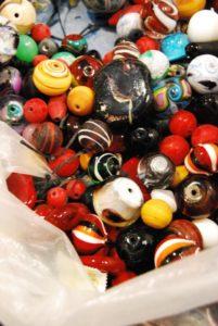 Corsi di Lavorazione del Vetro: creare Perle a Lume a Venezia