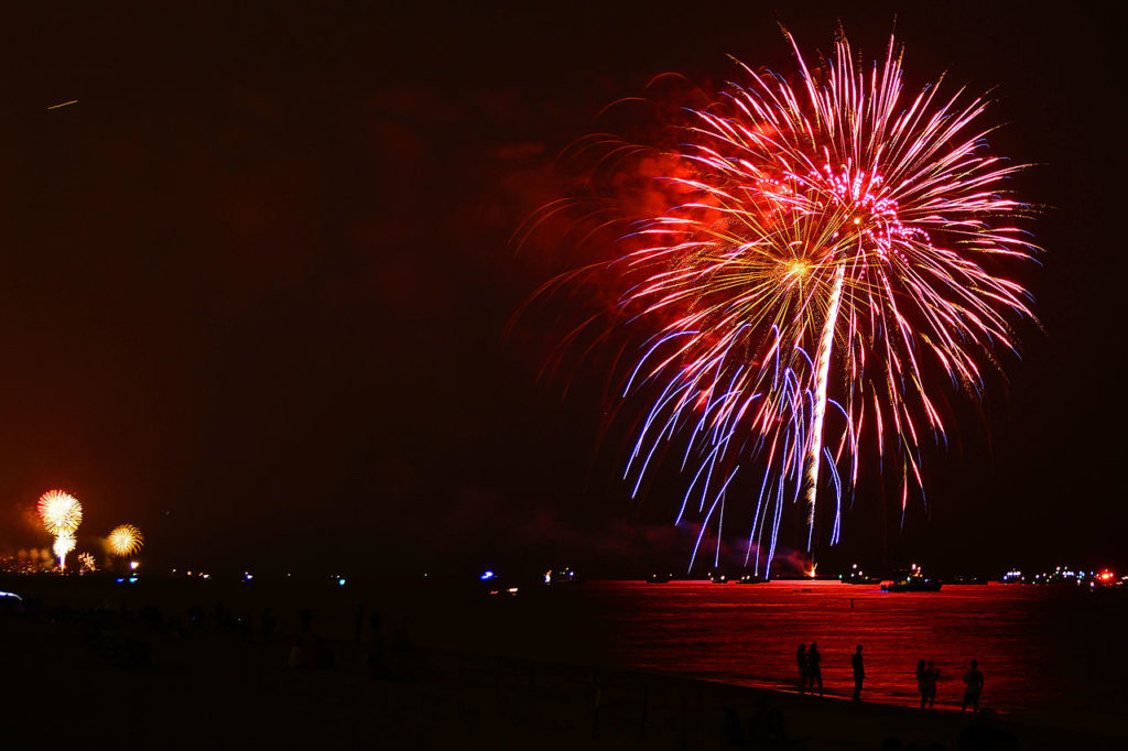 Beach on Fire 2018: crociera e fuochi d'artificio - Scopri l'evento!