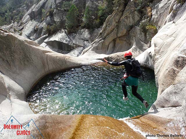splashing into te canyon pool