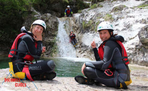 Foto di amici che fanno canyoning nevegal in italy