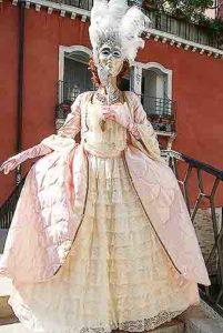 Carnevale di Venezia. Vestiti da donna