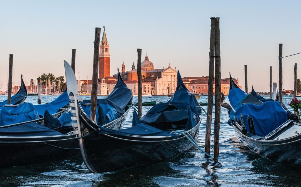 Giro in gondola a Venezia: prenota un tour privato!