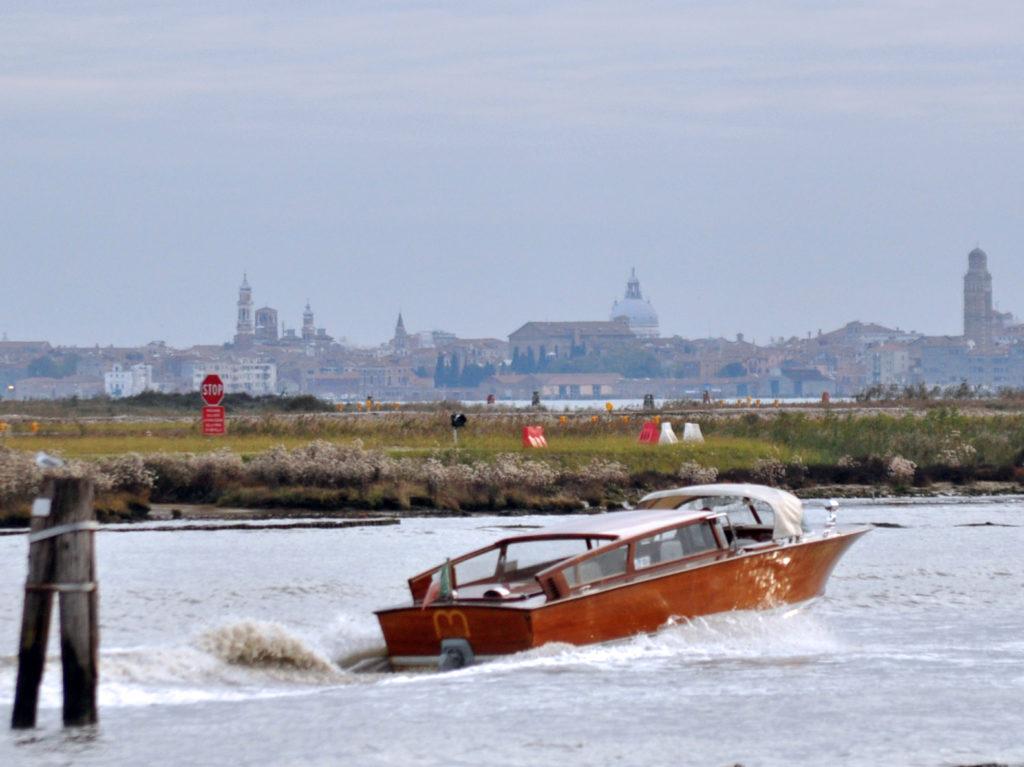 In taxi dall`aeroporto a Venezia