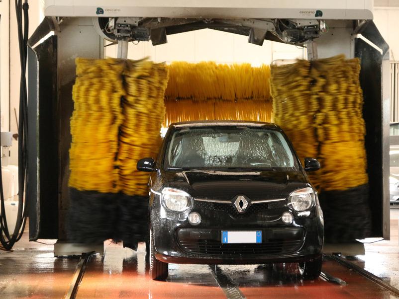 Lavaggio del parcheggio Aeroporto Venezia ParkinGo. Photocredit ParkinGo
