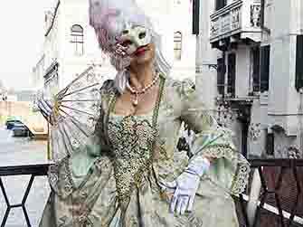 Noleggio vestiti di carnevale veneziano