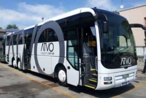 In bus da Venezi all'aereoporto