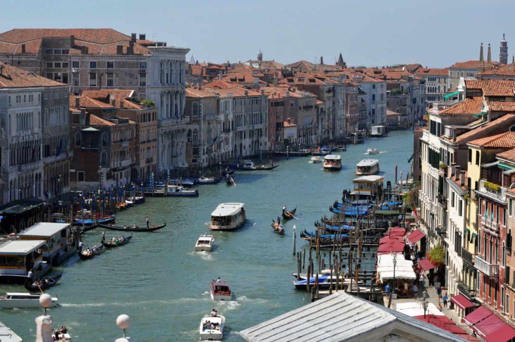 Trasporti a Venezia: vaporetti, gondole, taxi