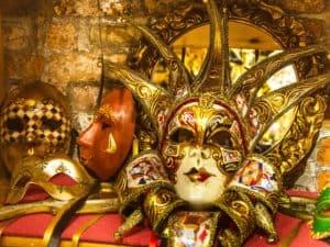 Shopping a Venezia. Maschere artigianali
