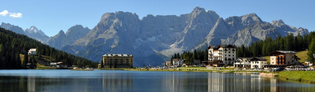 Венето. Озеро Мизурина в Доломитовых Альпах