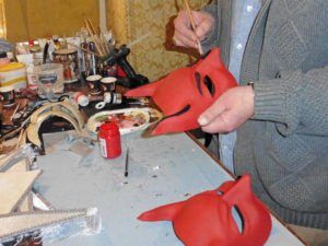 Декор венецианской маски на мастер-классе