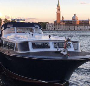 Motoscafo per transfer privato a Venezia