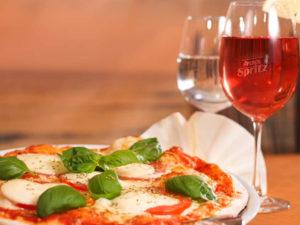 Поесть в Венеции пиццу