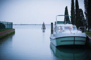 Houseboat ormeggiata