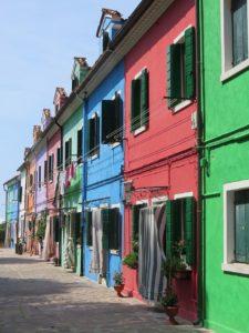 Burano ruelle maisons colorées